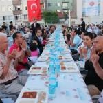04-iftarda-Uyghurlar-uchun-dua-okuldi-150x150 Eskişehirliler İftarda Uygur Türklerine Dua Etti...
