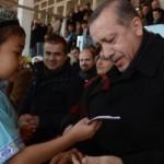 bir_siir_16_yillik_evlat_hasretini_sona_erdirdi13833024710_h1090362-150x150 Doğu Türkistanlı Kaşgarlı ailesinin 16 yıl önce başlayan dramı, Başbakan'ın girişimiyle sona erdi