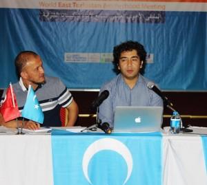 11889679_898685650199360_1488474713369679493_n-300x269 7.dönem Dünya Doğu Türkistanlılar kardeşlik buluşması