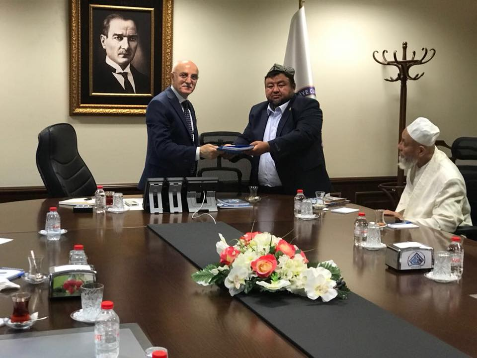 38689510_682421222125517_489483459786440704_n Doğu Türkistan STKlar birliği heyeti İçişler bakanını ziyaret etti