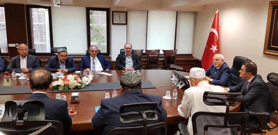 38703293_682420798792226_5269173789786112000_n Doğu Türkistan STKlar birliği heyeti İçişler bakanını ziyaret etti