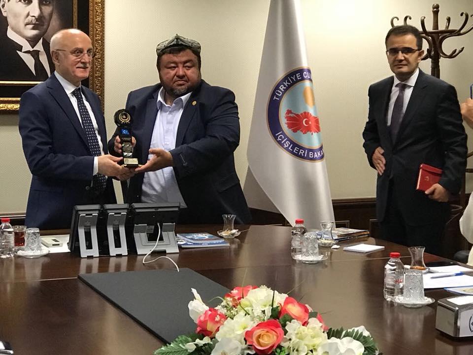 38704898_682421142125525_2427602578981257216_n Doğu Türkistan STKlar birliği heyeti İçişler bakanını ziyaret etti