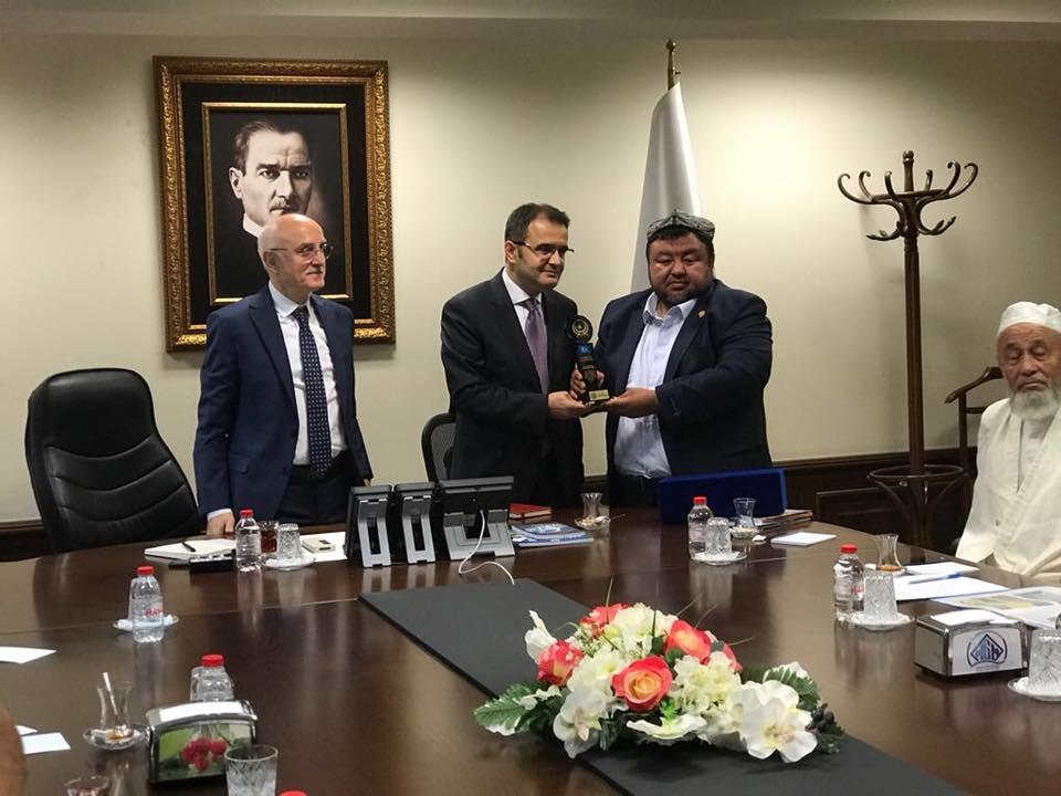 38745565_682421152125524_4423986807901782016_n Doğu Türkistan STKlar birliği heyeti İçişler bakanını ziyaret etti