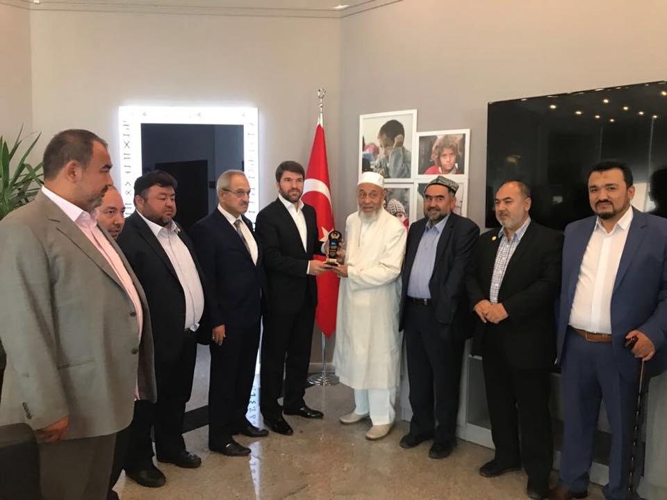 """38756552_682397375461235_5525259355089272832_n """" Doğu Türkistan Stklar Birliği """" Heyeti Ankara'da Göç İdaresi Genel Müdürlüğüne ziyarette bulundu"""