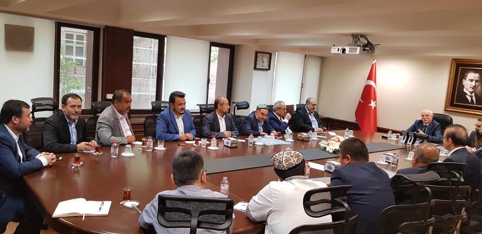 38793894_682420792125560_1516003501346390016_n-1 Doğu Türkistan STKlar birliği heyeti İçişler bakanını ziyaret etti