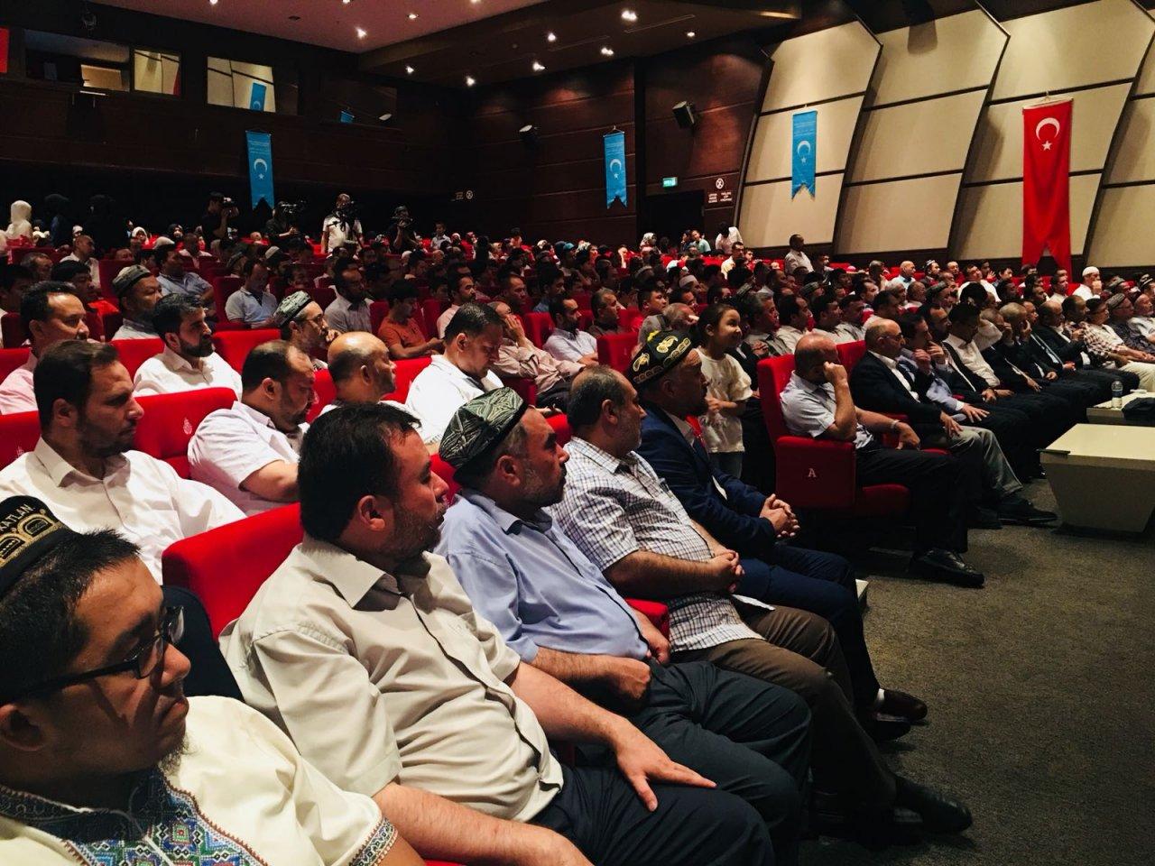 opt-564f6adb-4e19-4c9c-a348-dd8fa430cb19-ZM340CVBWV2ZMLA05WOR 10. Dünya Doğu Türkistanlılar Kardeşlik Buluşması gerçekleşti