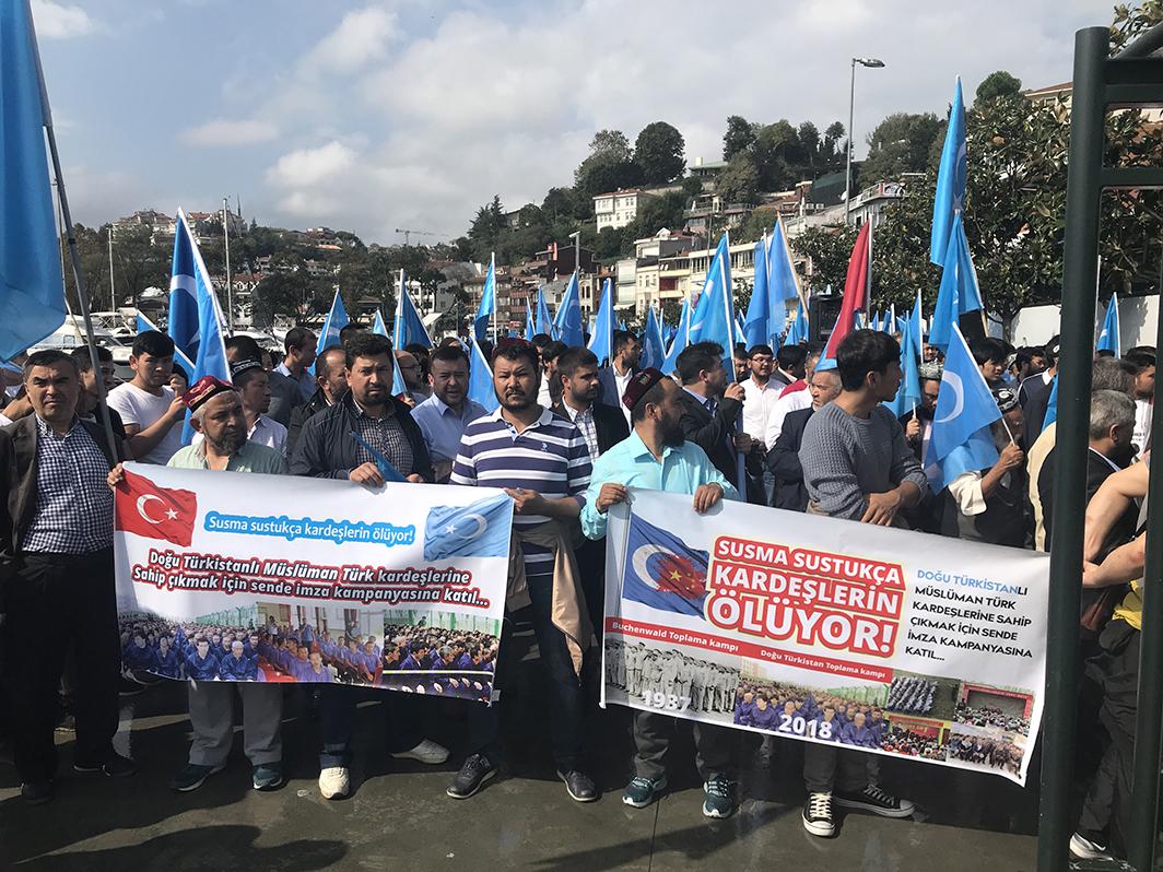 IMG_9905 Çin İşgalinin 69.yıl dönemi dolaysıyla Çin konsolosluğu önünde protesto yapıldı