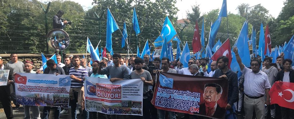 IMG_9906 Çin İşgalinin 69.yıl dönemi dolaysıyla Çin konsolosluğu önünde protesto yapıldı