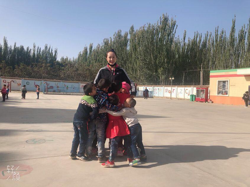 46096489_492307401275190_9141096969022734336_n-1 Çin Uygur çocuklarını ailelerinden koparıp devlet yetimhanelerine yerleştirmeye zorluyor