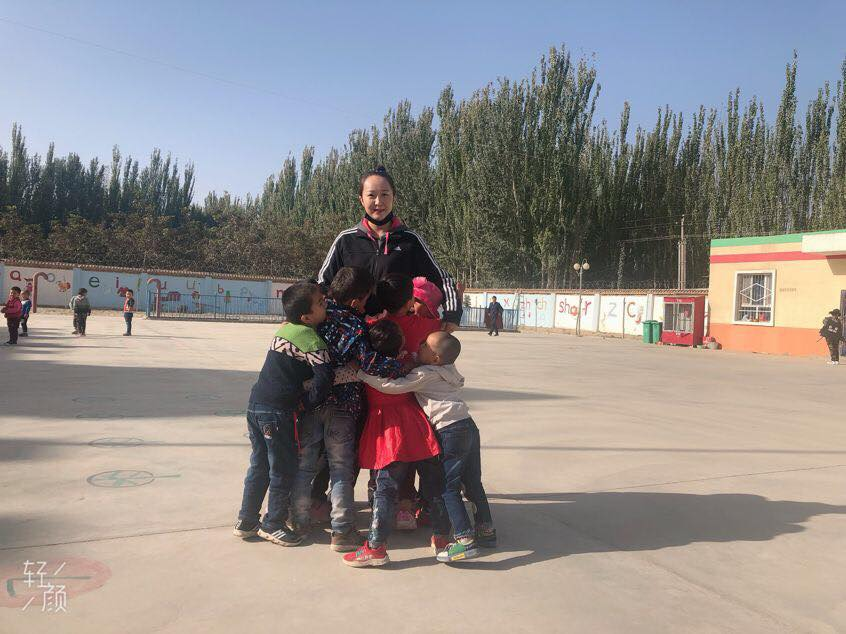 46096489_492307401275190_9141096969022734336_n Çin Uygur çocuklarını ailelerinden koparıp devlet yetimhanelerine yerleştirmeye zorluyor