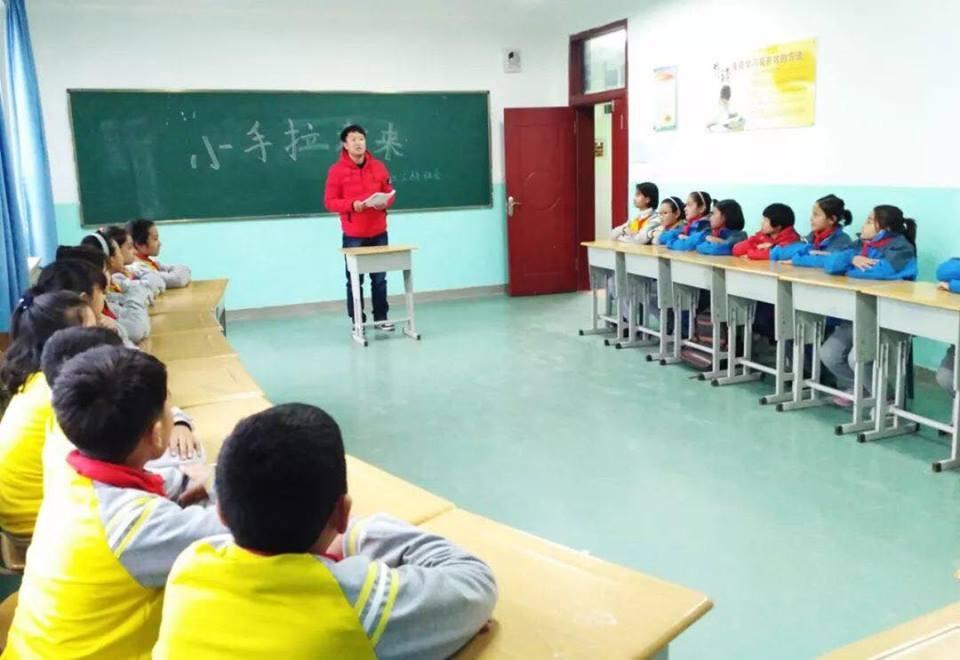 46107015_492308074608456_1566225851018641408_n Çin Uygur çocuklarını ailelerinden koparıp devlet yetimhanelerine yerleştirmeye zorluyor