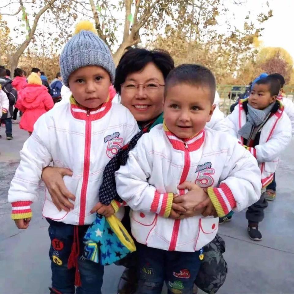 46128300_492307914608472_5006786407948091392_n Çin Uygur çocuklarını ailelerinden koparıp devlet yetimhanelerine yerleştirmeye zorluyor