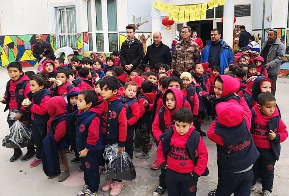 46131373_492307454608518_4309057468790472704_n Çin Uygur çocuklarını ailelerinden koparıp devlet yetimhanelerine yerleştirmeye zorluyor