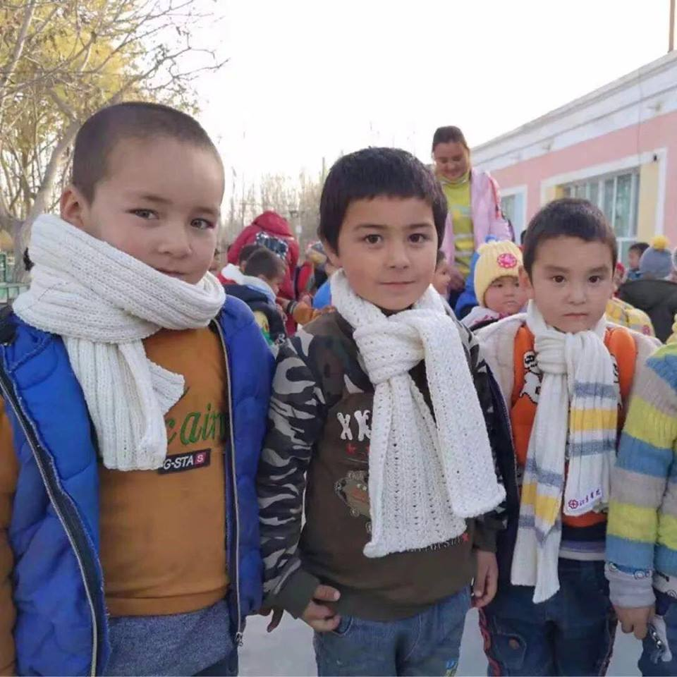 46162286_492307937941803_2842805300937883648_n Çin Uygur çocuklarını ailelerinden koparıp devlet yetimhanelerine yerleştirmeye zorluyor