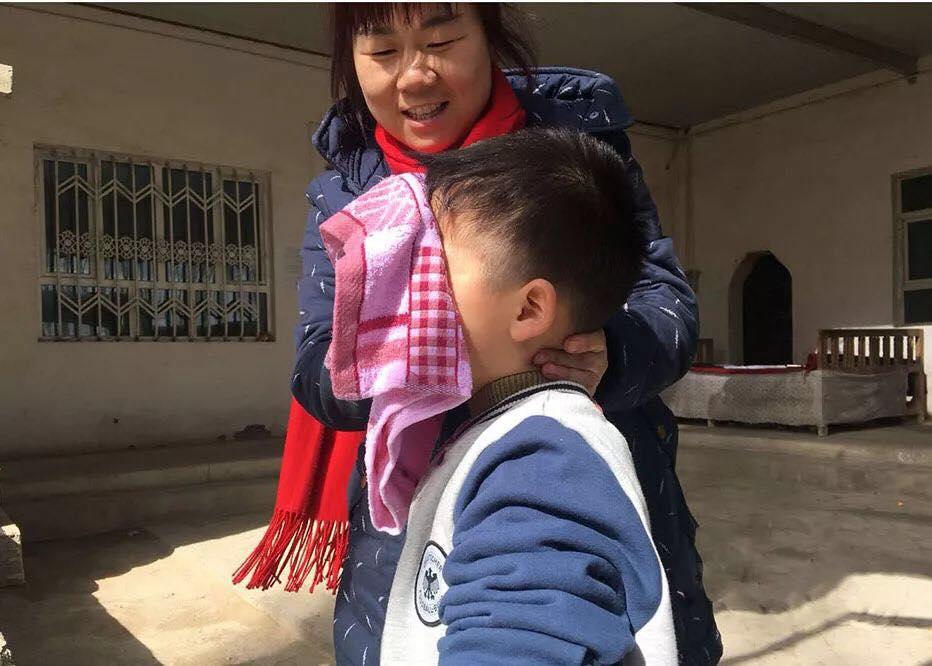 46289912_492307614608502_2607711521437908992_n Çin Uygur çocuklarını ailelerinden koparıp devlet yetimhanelerine yerleştirmeye zorluyor