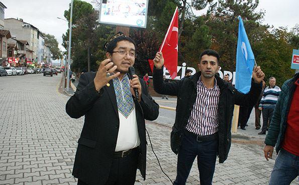 Dr-Abdusalam-Teklimakan-sozde Doğu Türkistan İçin Yürüdüler