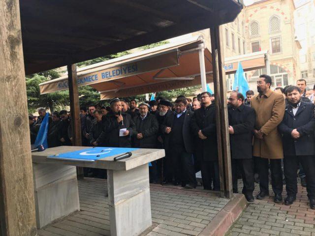 47572177_758142484553390_9507369671196672_n-640x480 Doğu Türkistanlı alim için gıyabi cenaze namazı