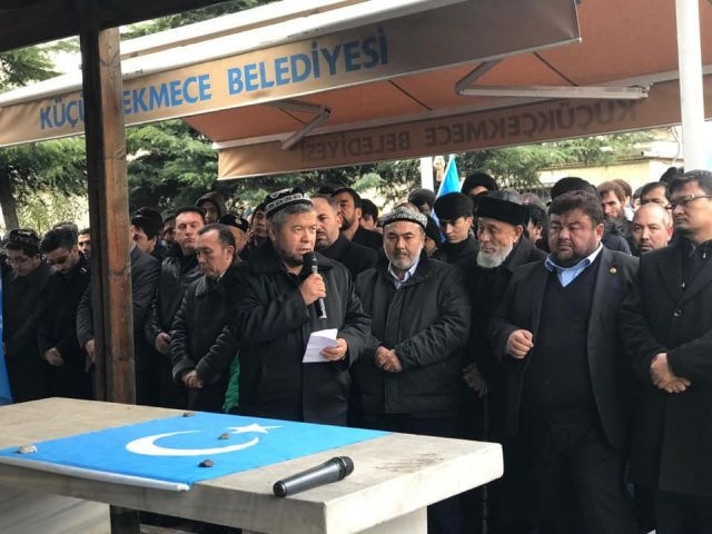 47574529_758142471220058_4104707537641668608_n-640x480 Doğu Türkistanlı alim için gıyabi cenaze namazı