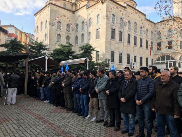 47576382_758142391220066_2891226285491617792_n-640x480 Doğu Türkistanlı alim için gıyabi cenaze namazı
