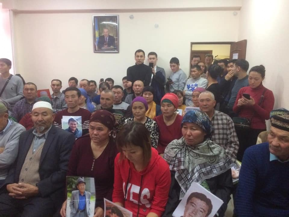 48389865_2008192885903170_8109859339679825920_n Çin Kırgız ve Kazak azınlığı da toplama kamplarına gönderiyor