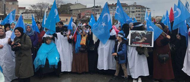 IMG_4967-640x279 Çin'in Doğu Türkistan politikalarına tepkiler