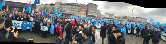 IMG_4969-640x171 Çin'in Doğu Türkistan politikalarına tepkiler