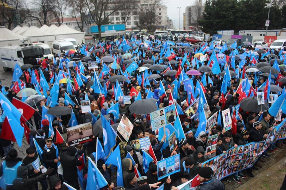 52551322_2127682097266799_1711452963177758720_n Çin'in Doğu Türkistan'daki Zulmü İstanbul'da Protesto Edildi
