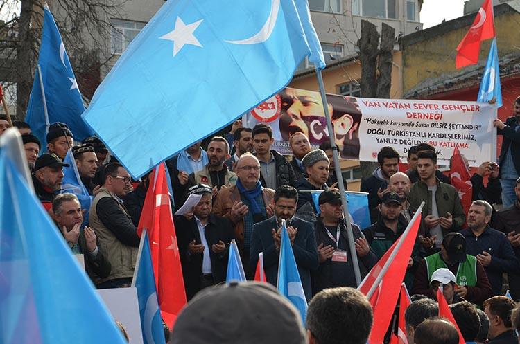 galeri_cin_zulmu_beykoz_-9_Azpjvd8r_l Çin Devleti'nin asimilasyon politikalarına maruz kalan Doğu Türkistan için Beykoz halkı öfkülendi