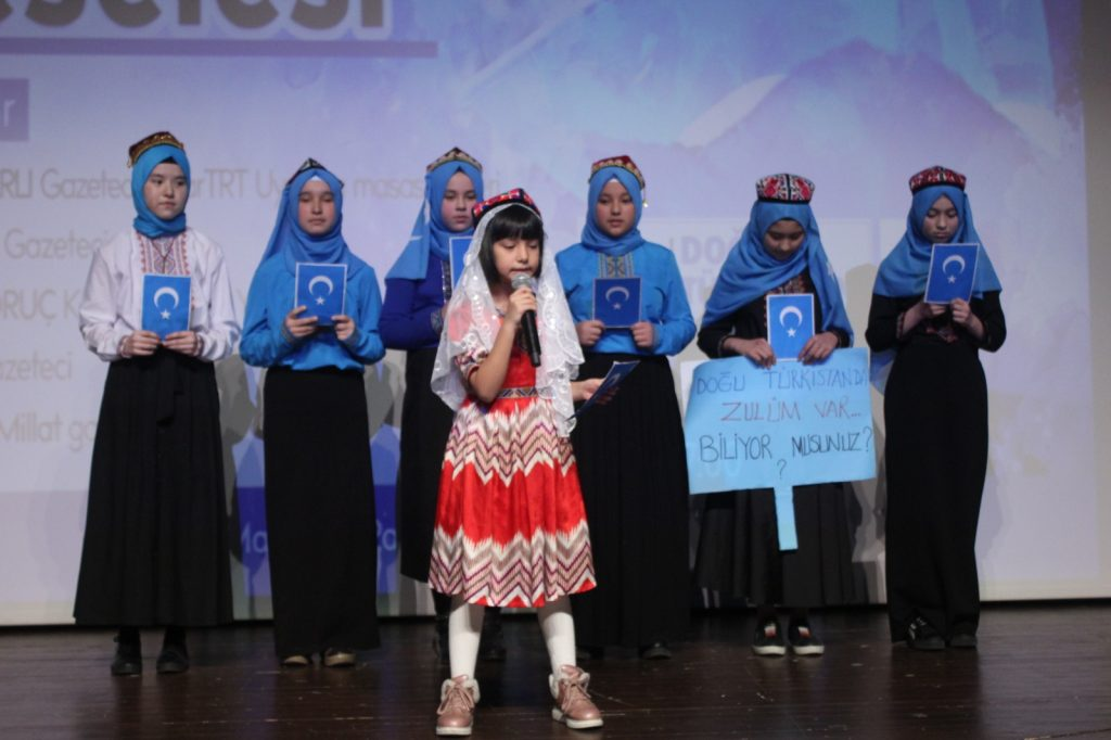 1T2S1Z2J-1024x682 Gazetecilerin Gözünden Doğu Türkistan Meselesi