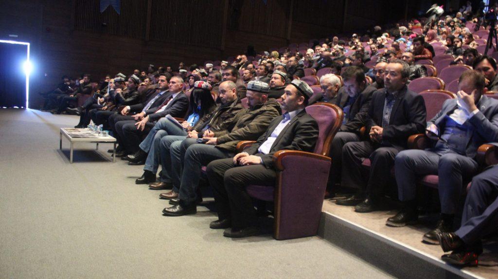 2L9W2G2I-1024x575 Gazetecilerin Gözünden Doğu Türkistan Meselesi