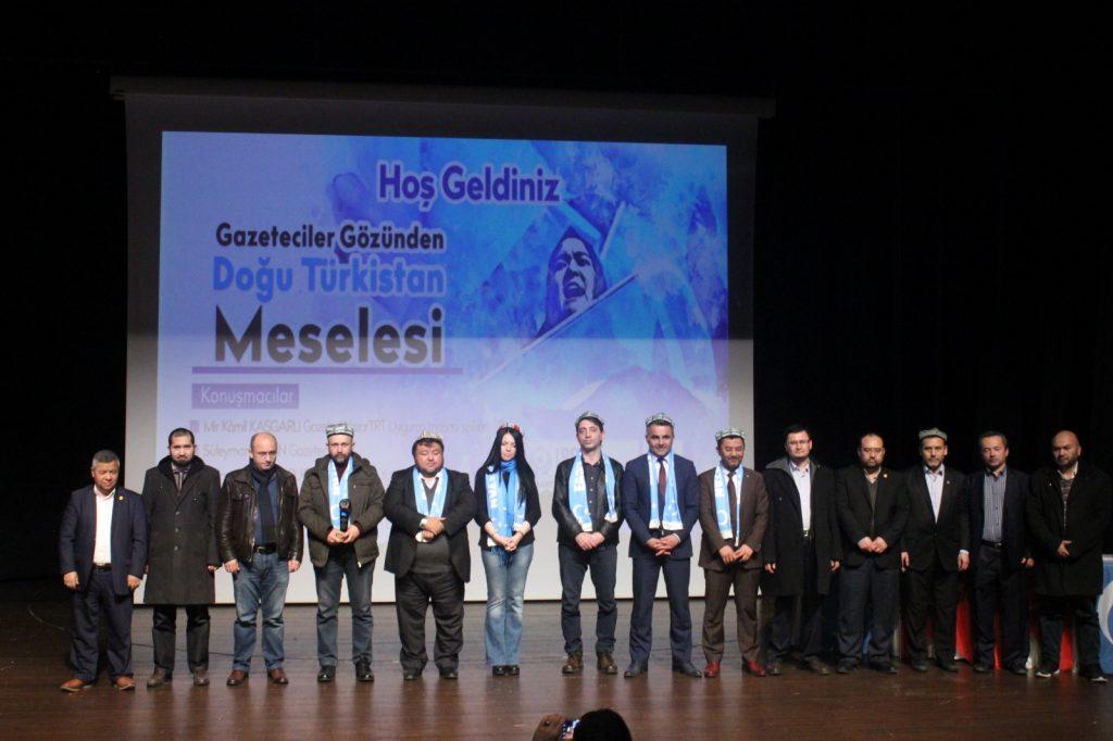 9F2O1U2F-1024x682 Gazetecilerin Gözünden Doğu Türkistan Meselesi