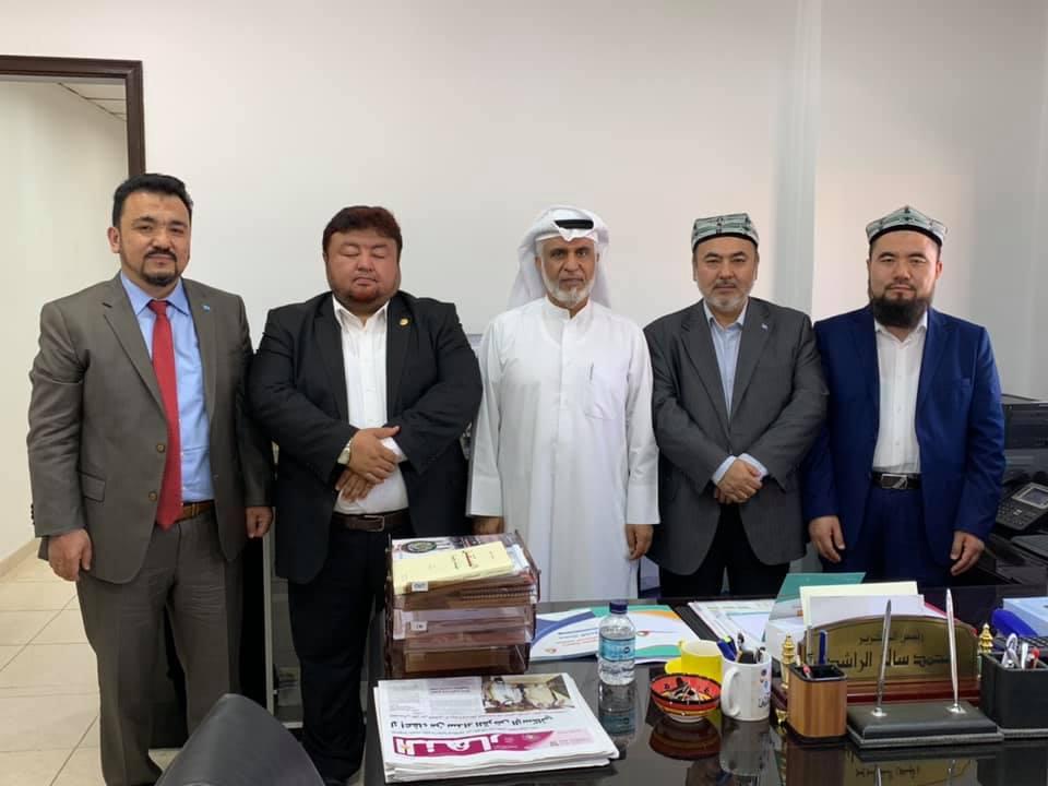 56669640_832702407097397_6386713491247464448_n Doğu Türkistan Heyeti Kuveyt'te Al-Mujtama Dergisi yayın merkezi ziyaret etti