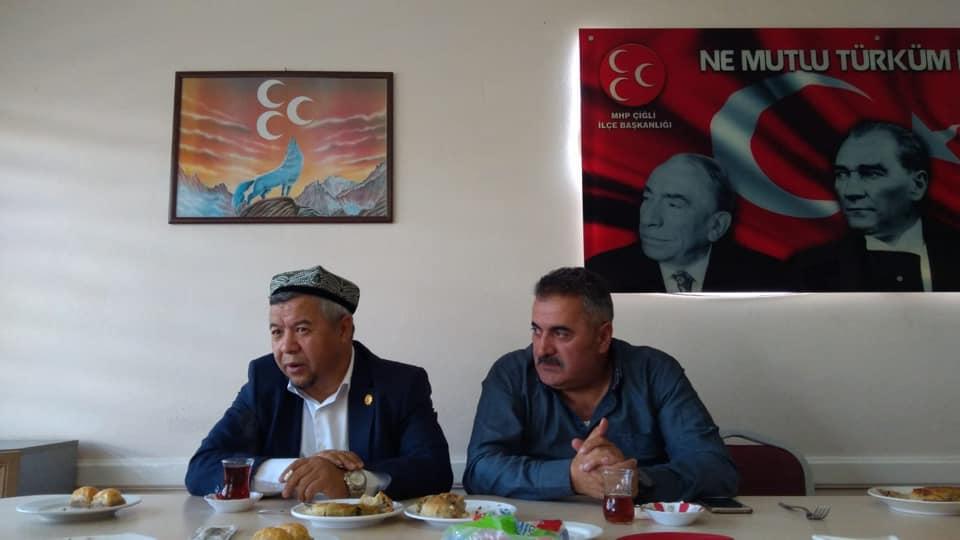 57034612_10218297374644436_6001322708523024384_n İzmir'de Kanayan yaramız Doğu Türkistan konulu Konferans düzenlendi