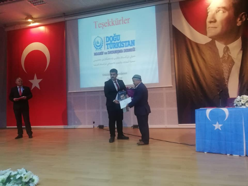 57083516_10218297374724438_2199354290156339200_n-1 İzmir'de Kanayan yaramız Doğu Türkistan konulu Konferans düzenlendi