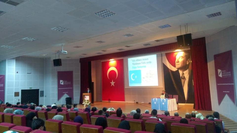 57114810_10218297377404505_8779033553842208768_n İzmir'de Kanayan yaramız Doğu Türkistan konulu Konferans düzenlendi