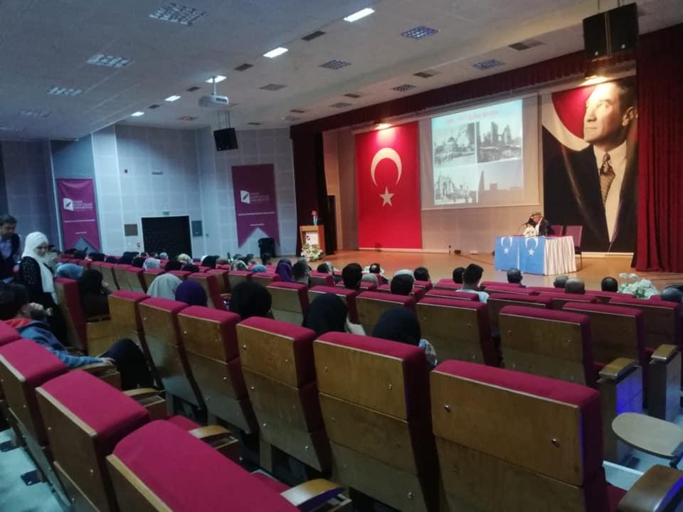 57308547_10218297375844466_2134564833050230784_n İzmir'de Kanayan yaramız Doğu Türkistan konulu Konferans düzenlendi