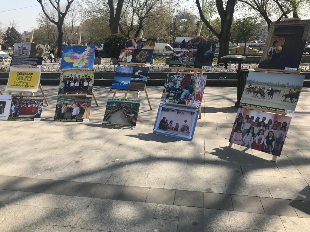 """Uyghur-medeniyet-ve-zulum-korgezmisi-004-1024x768 """"Doğu Türkistan Kültür ve Tanıtım Haftası"""" etkinliği gerçekleşti"""