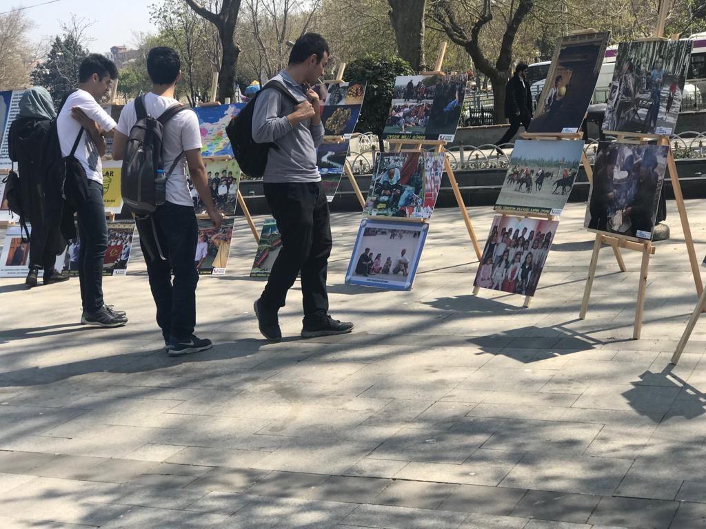 """Uyghur-medeniyet-ve-zulum-korgezmisi-005-1024x768 """"Doğu Türkistan Kültür ve Tanıtım Haftası"""" etkinliği gerçekleşti"""