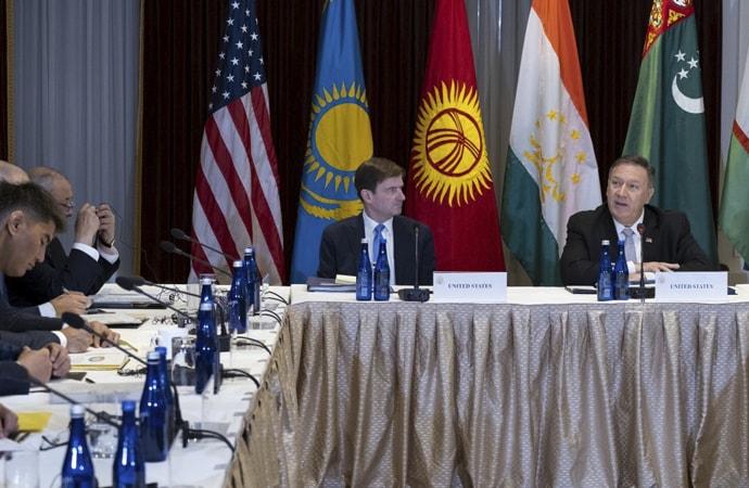 pompoe Pompeo: 'Çin'in Doğu Türkistan'daki baskısı terörle ilgili değil'