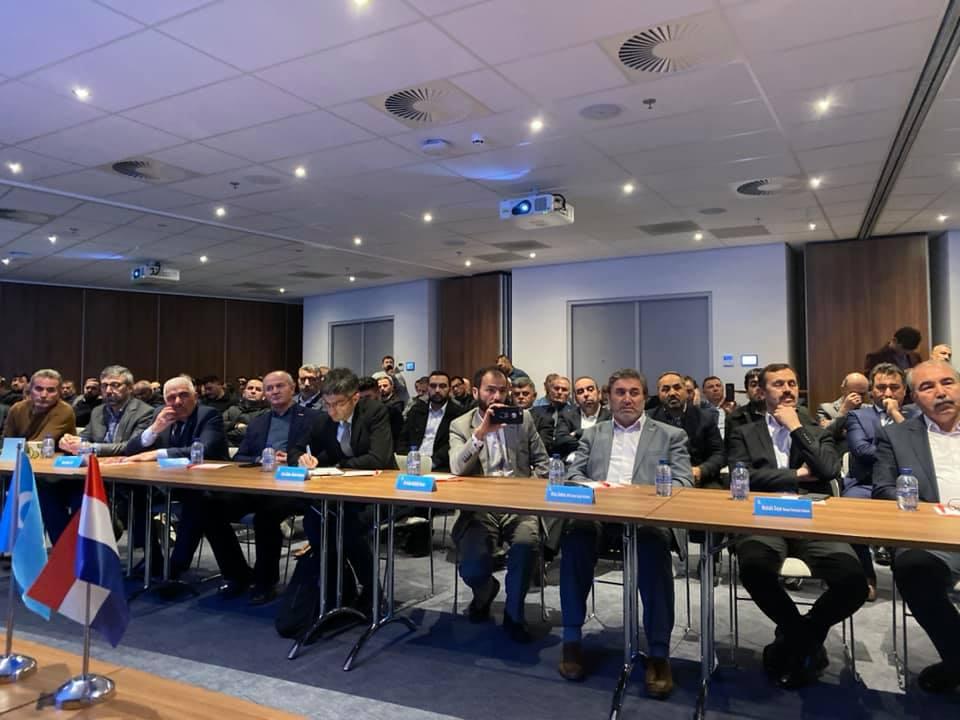 75354995_984932598541043_5467992193899692032_n Amsterdam'da Doğu Türkistan Konferansı Düzenlendi.