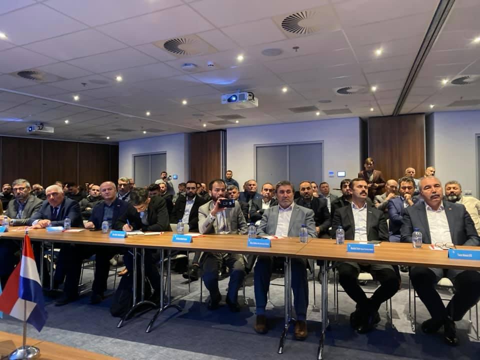 76602207_984931958541107_7229833601724973056_n Amsterdam'da Doğu Türkistan Konferansı Düzenlendi.