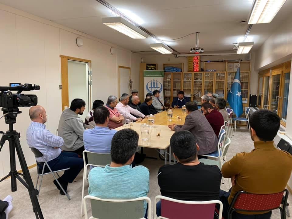 76610991_989918208042482_8902481483843764224_n-1 Dernek Başkanımız Hidayet Oğuzhan İsveçtek Uygurları ziyaret etti