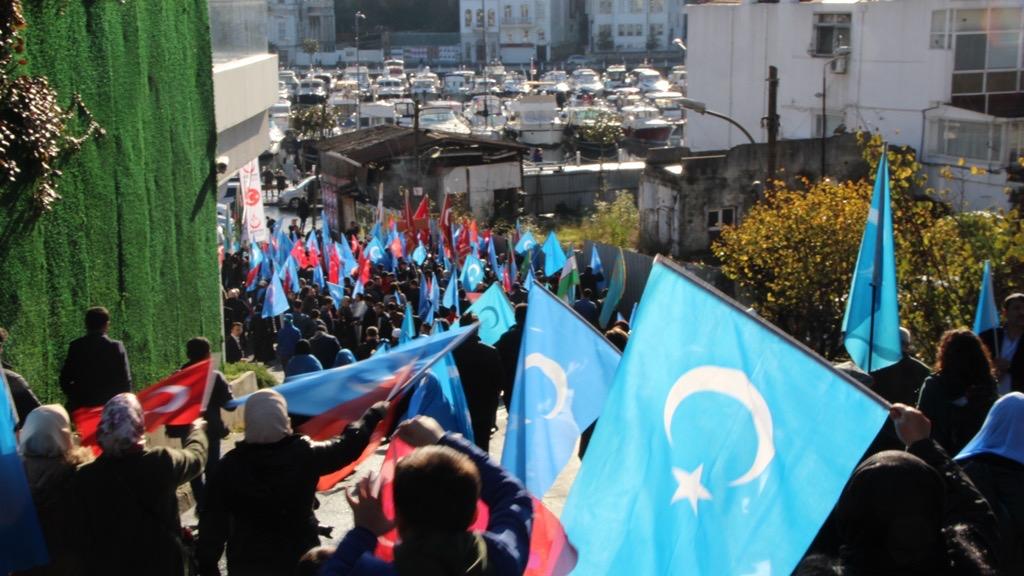 2EAEEB47-AA03-4BA9-BFD0-C280A8633F80 Alperen Ocakları Çin'in İstanbul konsolosluğu önünde protesto ve basın açıklaması