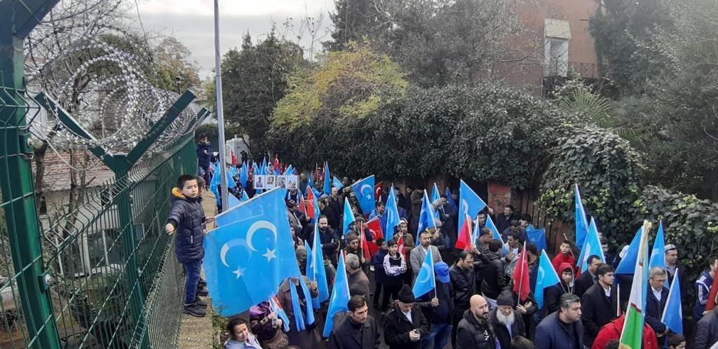 6A223E17-5E94-4AE0-B880-3118DD612427-1024x498 Alperen Ocakları Çin'in İstanbul konsolosluğu önünde protesto ve basın açıklaması