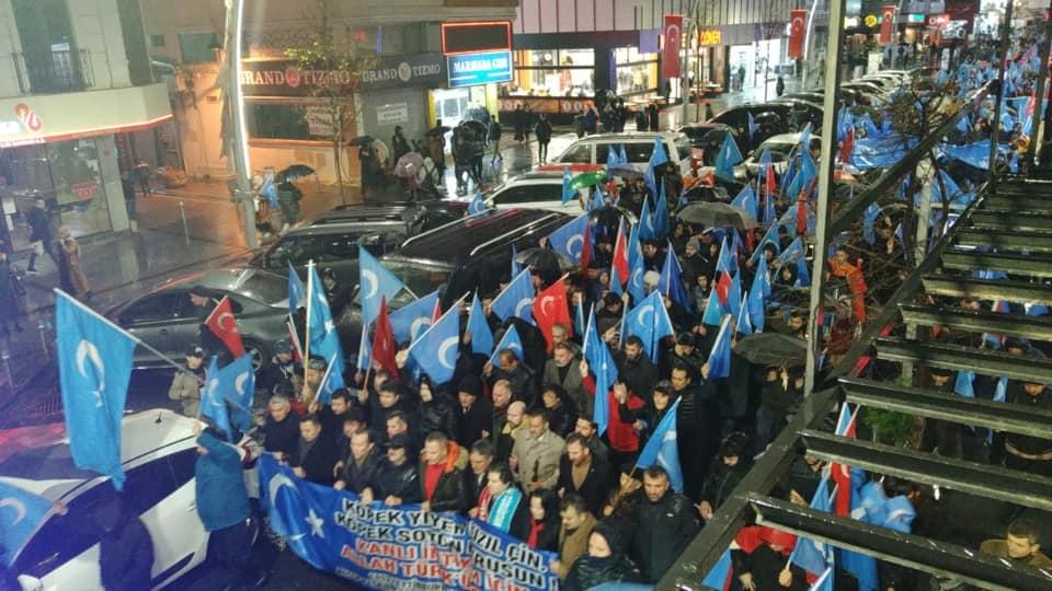 80639101_2682630978438572_6331096679831306240_n Zeytinburnunda Doğu Türksitan yürüyüşü gerçekleşti
