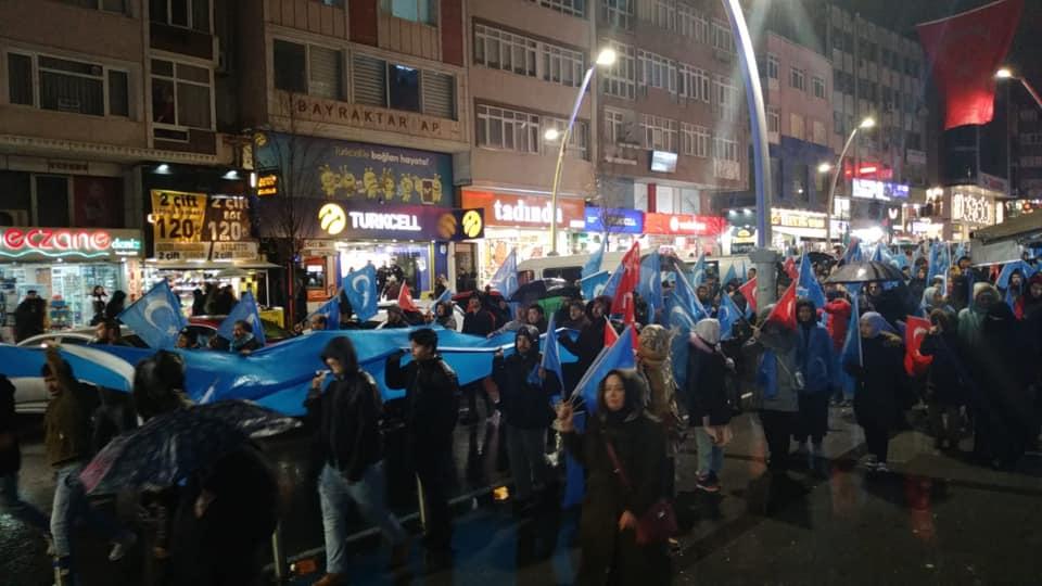 80820767_2682630918438578_8546602130079744000_n Zeytinburnunda Doğu Türksitan yürüyüşü gerçekleşti