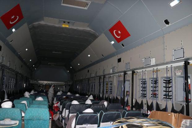 2CGMK_1580584768_8377 Vuhan'dan Türkleri getirecek olan 'Koca Yusuf' Ankara'ya indi