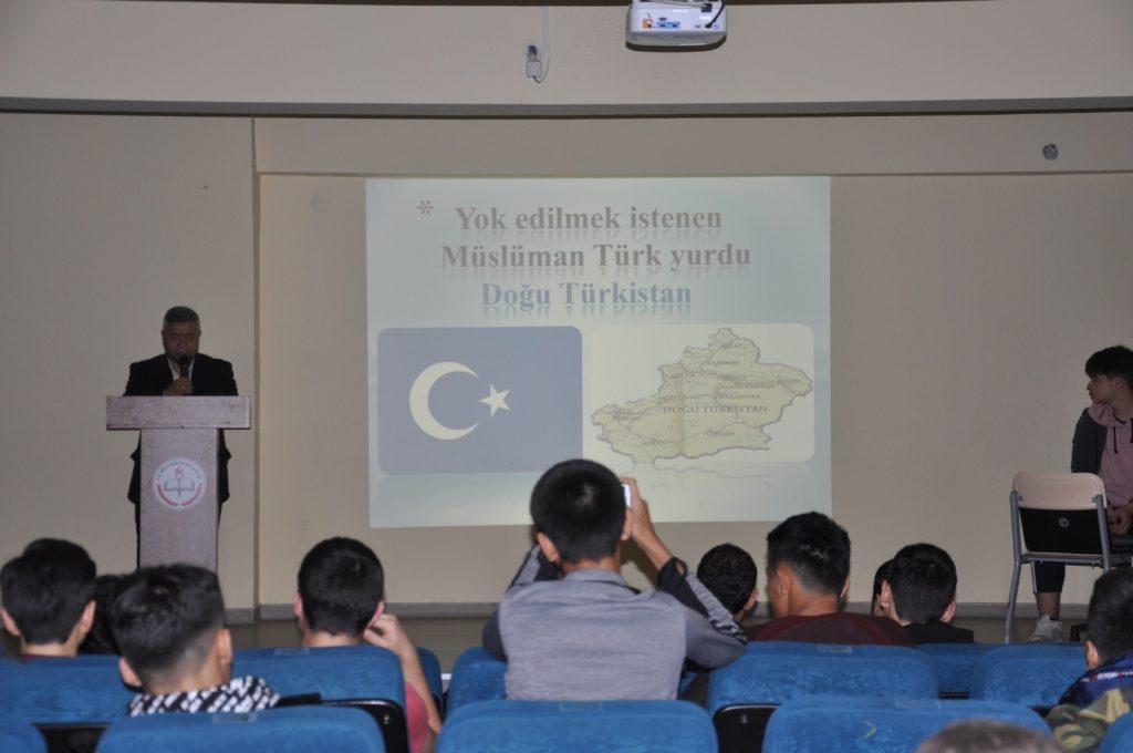 b897a42250f9c421487946d1599548264-1024x680 Başakşehir Uluslararası Öğrenci Derneği, Doğu Türkistan ülke tanıtım günü gerçekleştirdi.