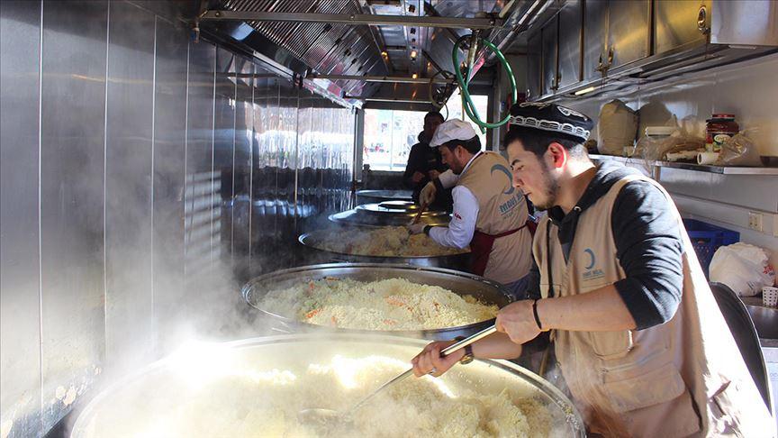 thumbs_b_c_4f06d0ea4dbbc6220e4cf3550d72d2bf Derneğimiz, Elazığ'da yaşanan deprem sonrası bölgede yemek dağıttı.