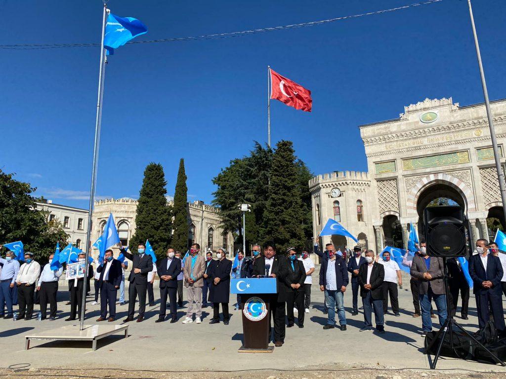 istanbuldiki-Uyghurlar-Hitaygha-karshi-namayish-ve-Ahbarat-elen-qilish-paaliyeti-elip-bardi-012-1024x768 İstanbul'da Doğu Türkistanlılardan Çin işgaline tepki